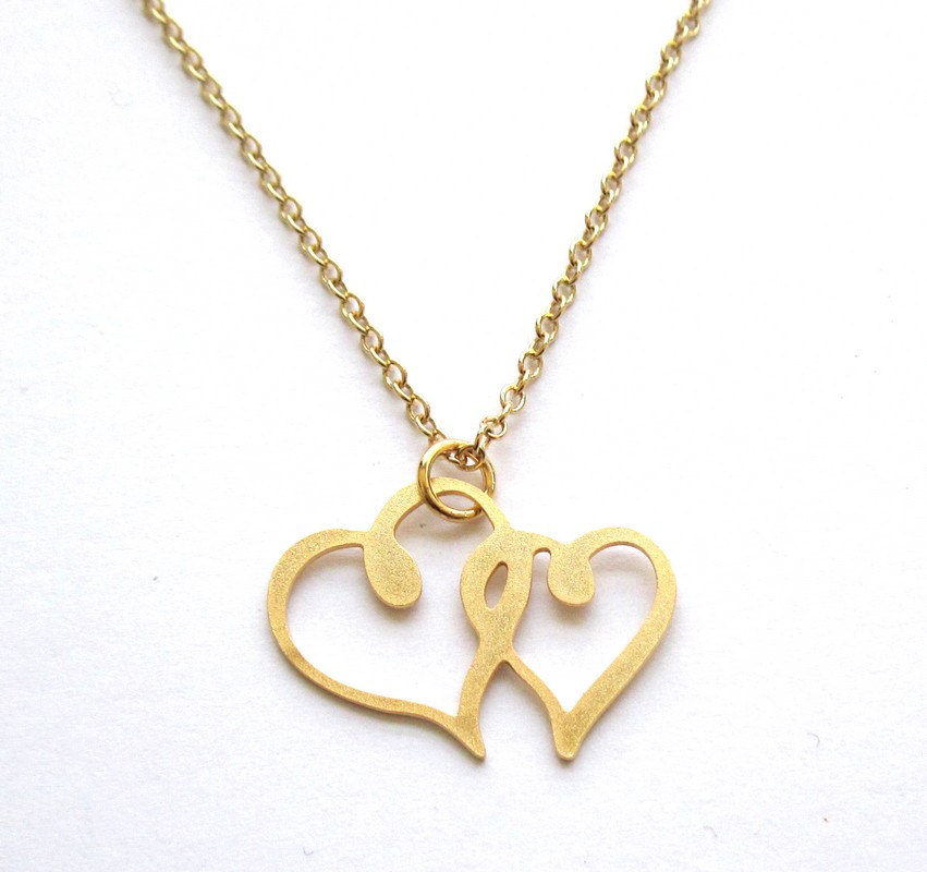 connected heart pendant necklace romantic jewelry. Black Bedroom Furniture Sets. Home Design Ideas